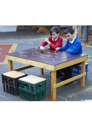 KS1 CRATE CHALK TABLE WITH CRATE SEATS