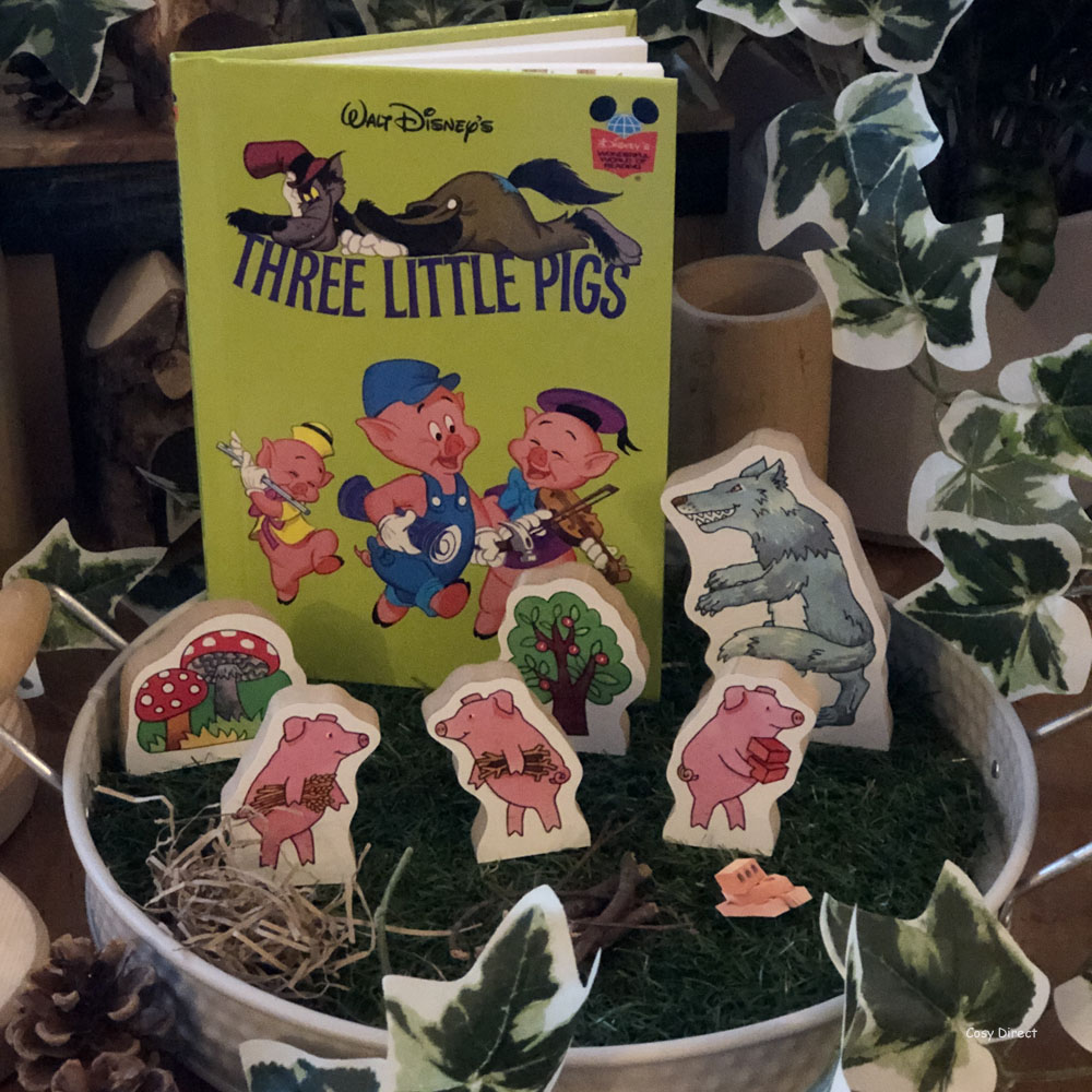 book play - 3 little pigs