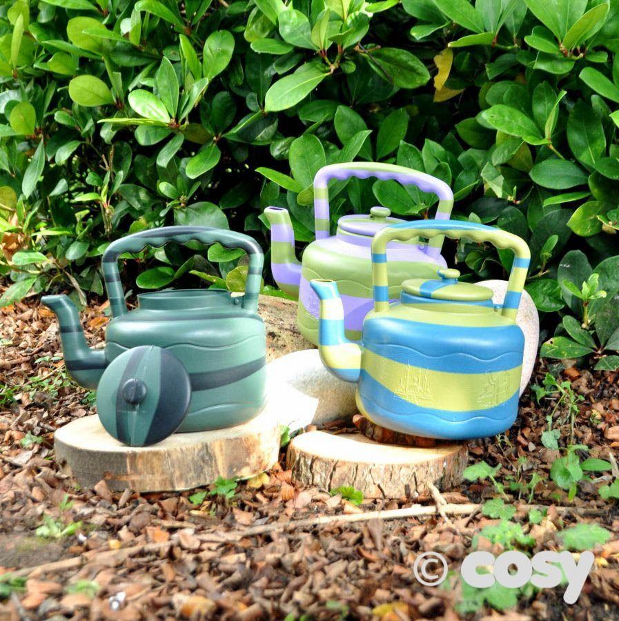 Water play - kettles